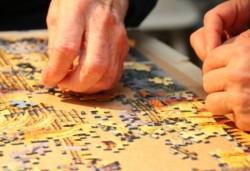 Choroba Alzheimera a układanie puzzli